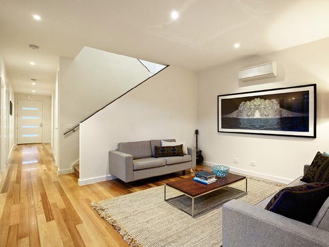 13 Loranne St Bentleigh Living room