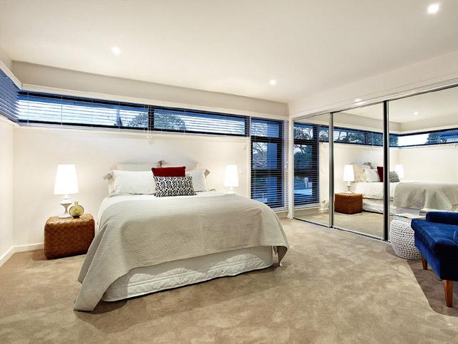 13 Loranne St Bentleigh Master bed